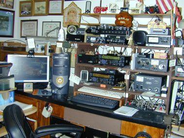 RADIO ROOM 002