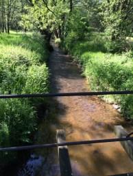potok hned vedle