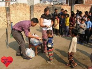 Mitmachen und Kinder in Nepal helfen.