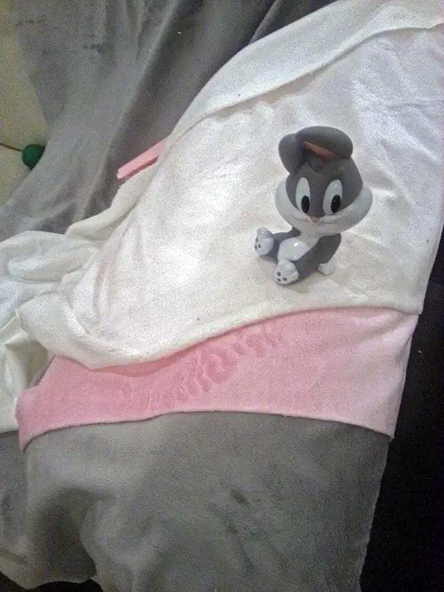 Idee per una maschera da bebè: cucire il costume di Bugs Bunny