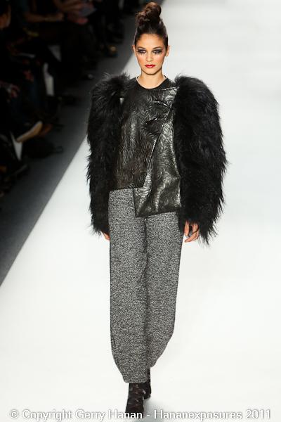 Mercedes Benz 2011 New York Fashion Week Hananexposures Veneziana Fall 2011 (15)