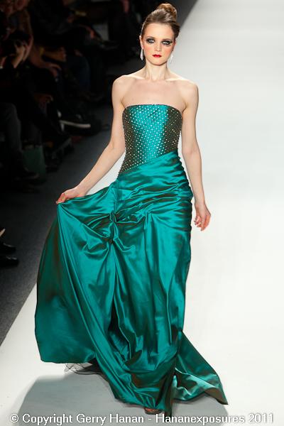 Mercedes Benz 2011 New York Fashion Week Hananexposures Veneziana Fall 2011 (68)