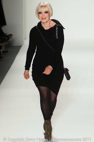 Mercedes Benz 2011 New York Fashion Week Hananexposures Veneziana Fall 2011 (83)