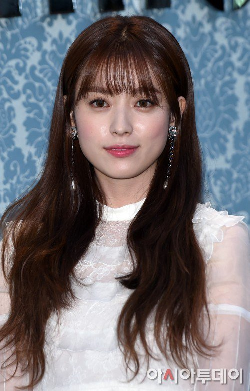 Han Hyo Joo Becomes Top Cosmetics Model Beating Gong Hyo