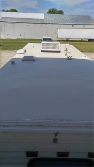 new-rubber-roof-installed-on-rvs