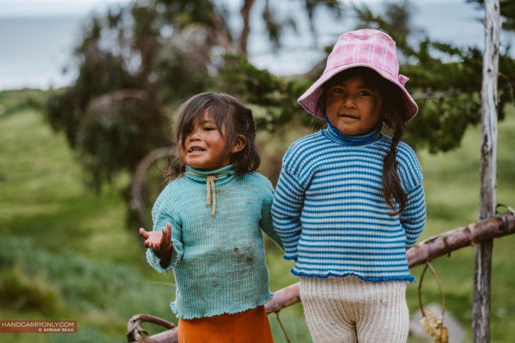 happy village children isla del sol