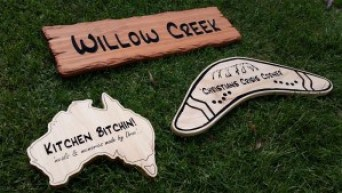 wooden-signs-Australia-shape-boomerang-shape-AustralianWorshopCreations-wooden-signs.jpg