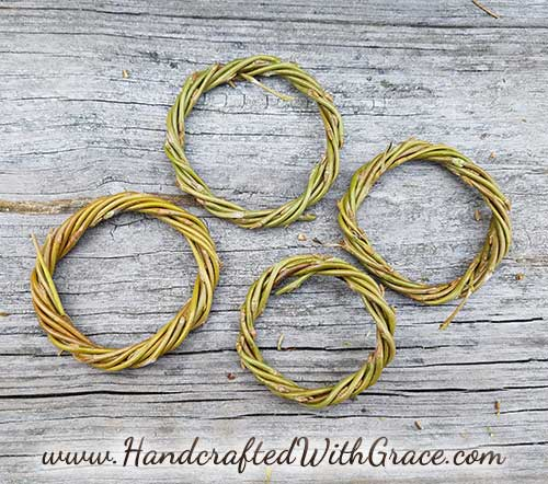 Making Wreaths with Willow Branches in Any Size