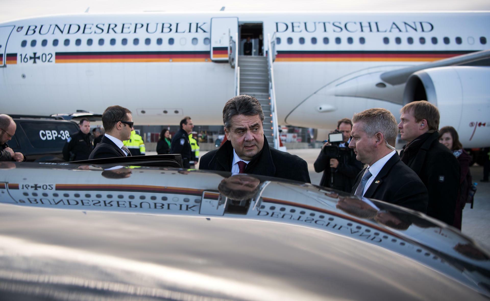 Bundesaußenminister Gabriel ist zu seinem Antrittsbesuch in Washington gelandet. Quelle: dpa