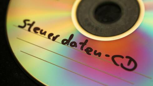 Das Land NRW hat mehrere Steuer-CDs erworben. Quelle: dpa