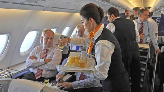 Condor-Passagiere müssen sich auf neue Gerichte einstellen. Quelle: dpa