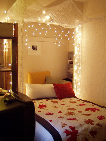 Browse bedroom decorating ideas and layouts. How to Make 6 String Lights Ideas For Your Bedroom