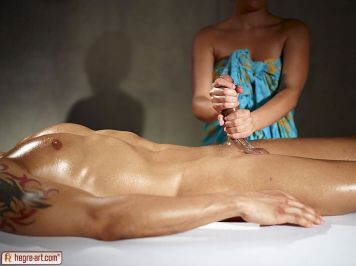 Masseuse-gives-his-big-cock-an-erotic-massage-06