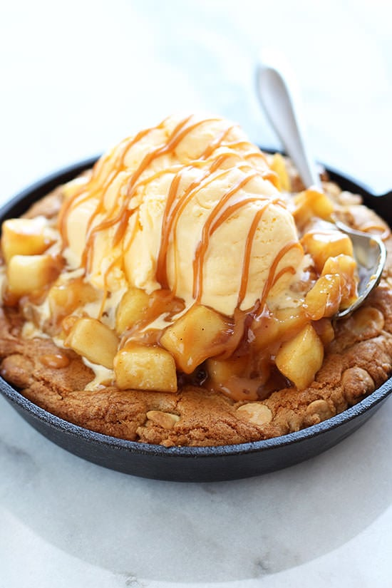 Salted Caramel Apple Pie Pizza Cookie - obsessed!