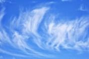 Himmel blau mit Wolken