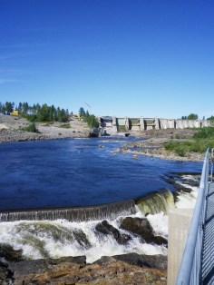 Staumauer und Stromschnellen I - Stornorrforskraftwerk