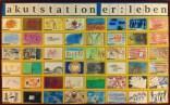 Fotografie der Ausstellungswand des Projekts mit ausgewählten Werken