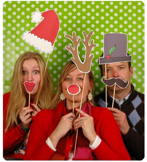 cute-christmas-photo-booth-props