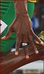 Britsh research points out that men whose ring fingers are longer than their index fingers run faster.
