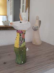 Ein Hase aus Pappmaché