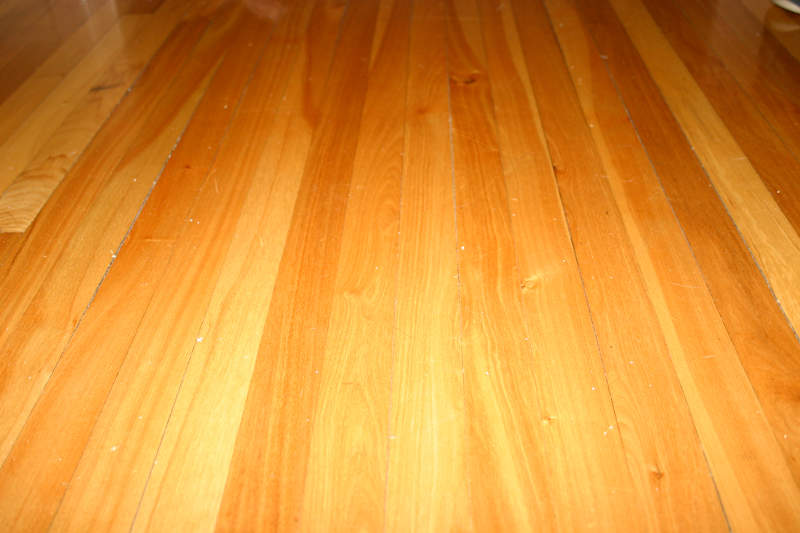 Hardwood floors cleaning hardwood floors refinishing for Floors on floors