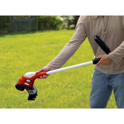 Black & Decker LST220 Cordless String Trimmer