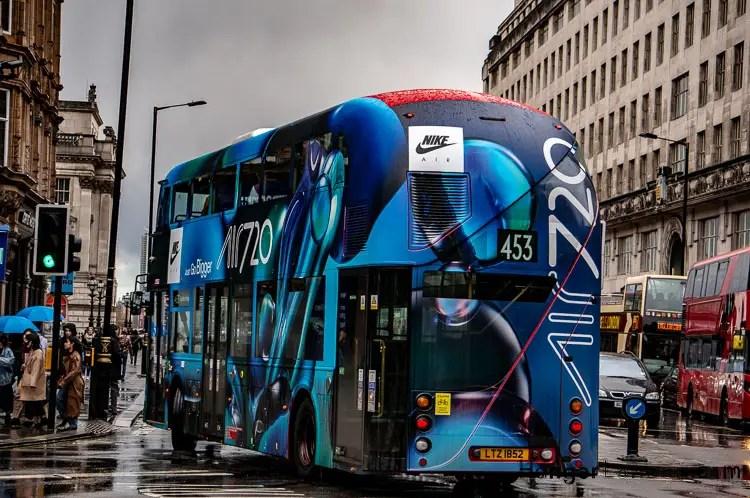 Nike Air 720 Bus