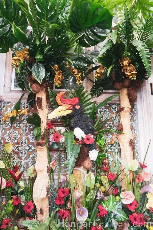 inside the door archway of 11 Cadogan Gardens