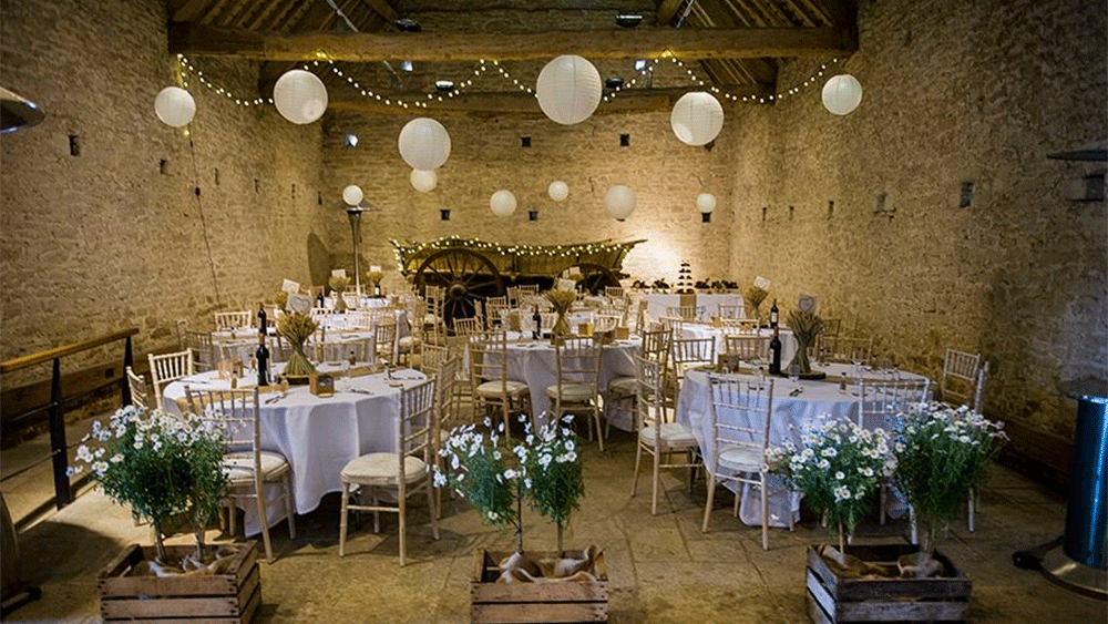 A Relaxed Barn Wedding At Cogges Manor Farm Witney