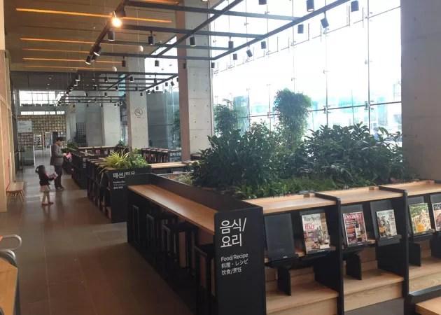ネイバー本社のカフェスペース