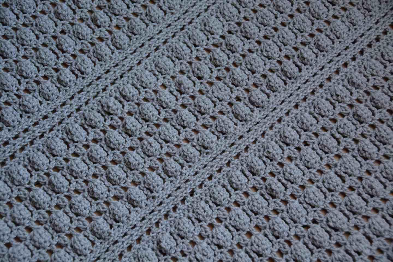 The Oyster Shell Blanket – A Free Crochet Pattern – HanJan