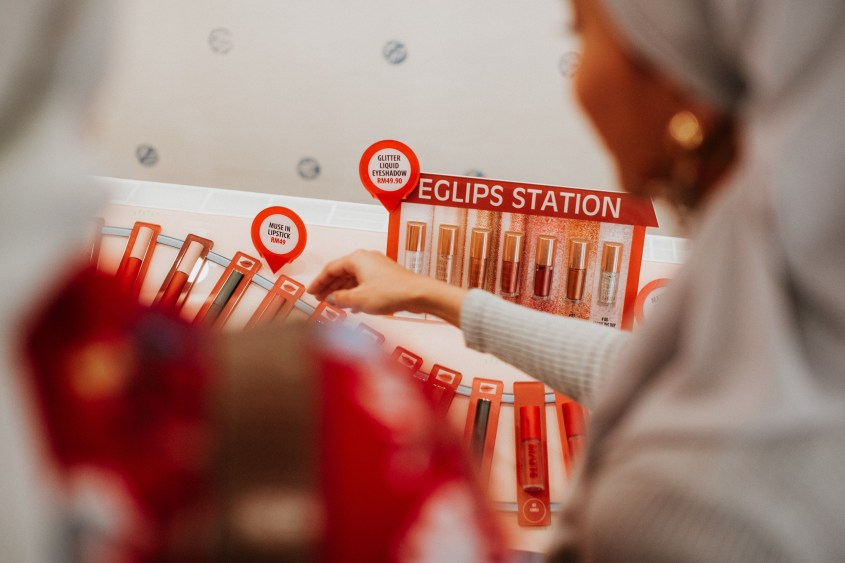 eglips 40 1 - Amazing K-Beauty Brands – BBIA & Eglips Brought In Its Incredible New Makeup Series at Watsons Malaysia Today!