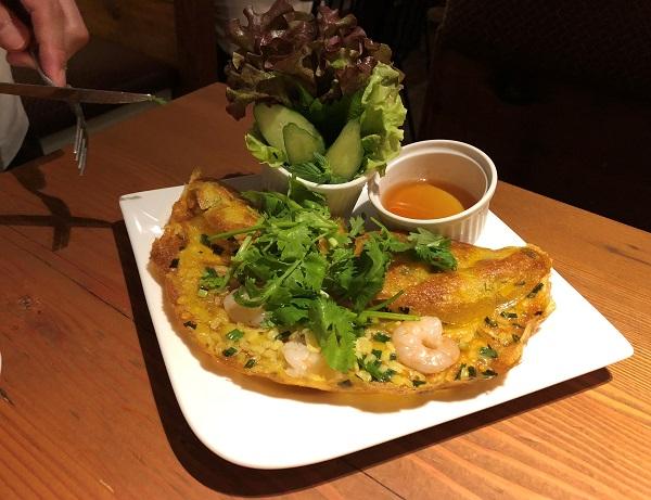 ベトナム料理屋「でですけ サイゴンキッチン」のバインセオ