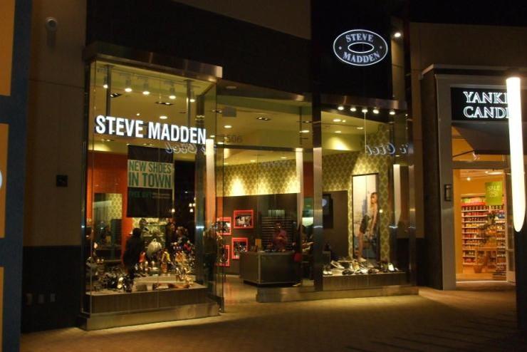 STEVE MADDEN -Valencia California
