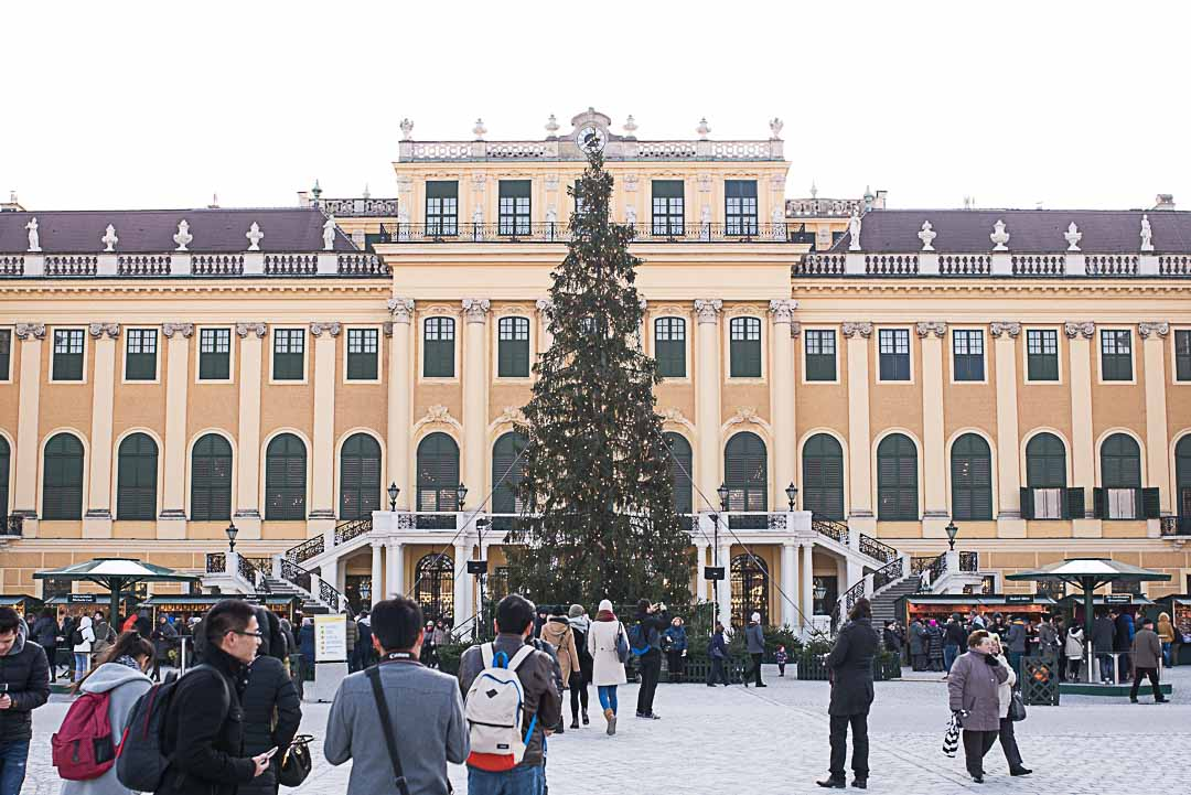 The Christmas market at the Schloss Schönbrunn
