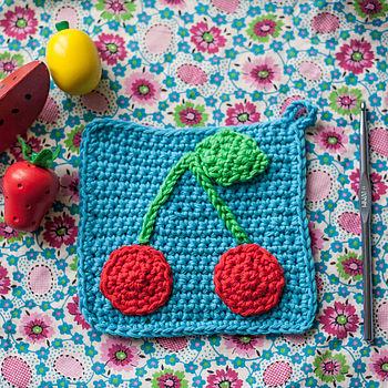 normal_crochet-a-retro-pot-holder-kit