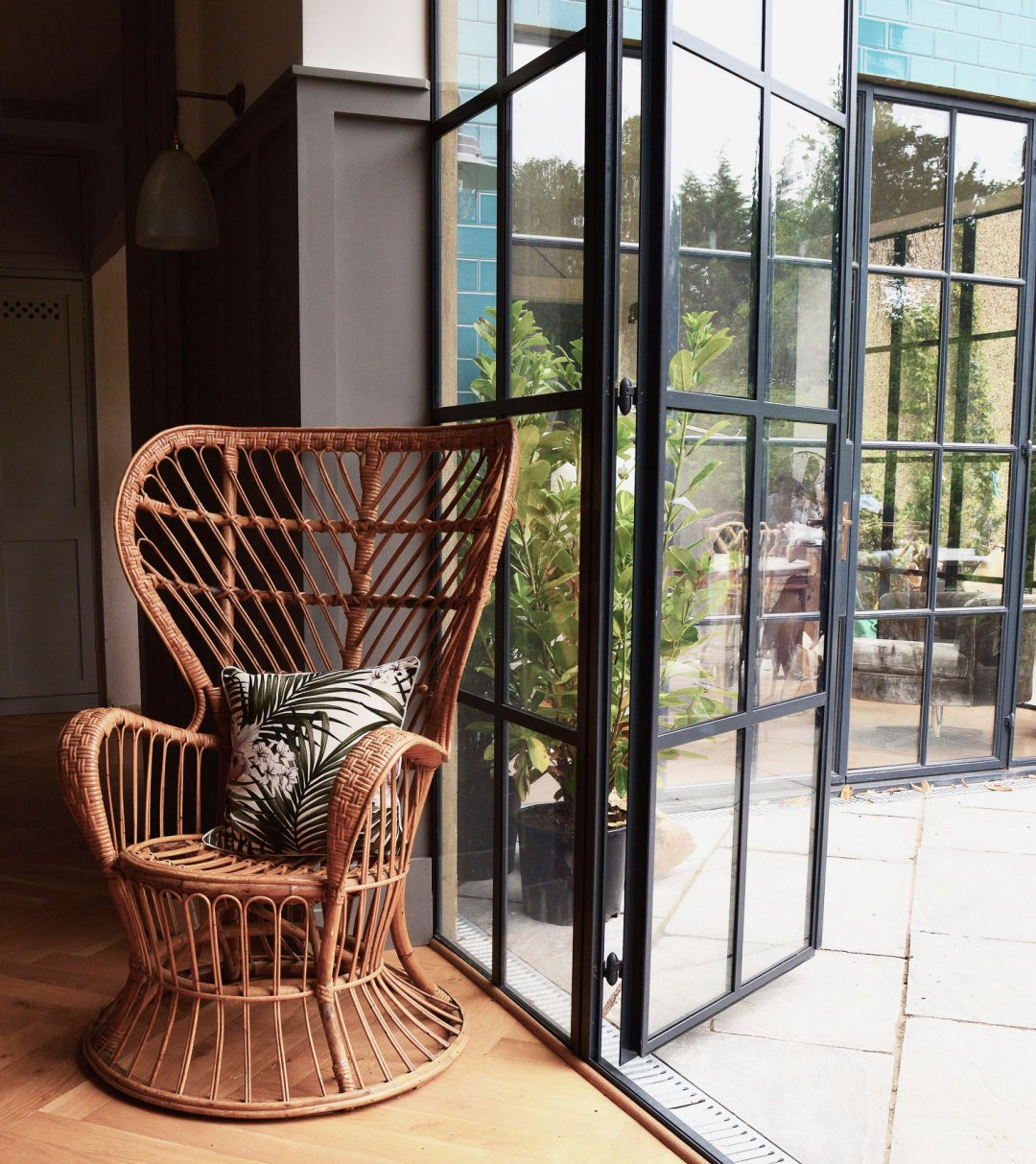 Botanical trend with warehouse windows | Hannah in the house
