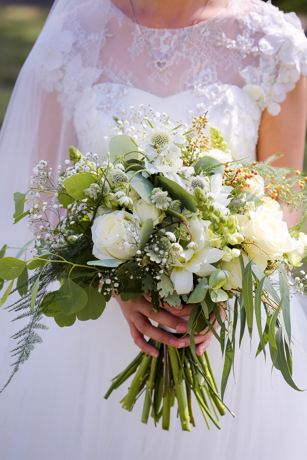 bridal bouquet wedding photographer