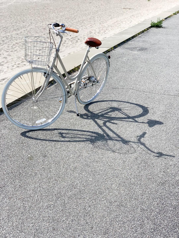 A Swedish minimalist bike, BIKEID. Step through 7
