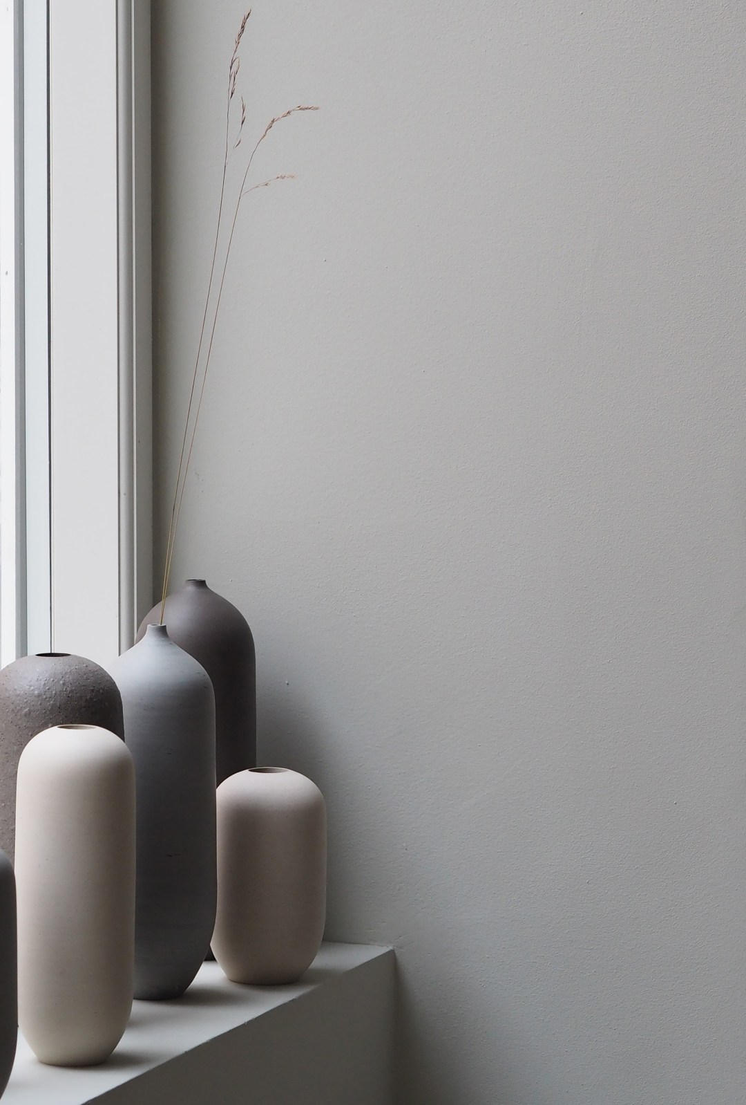 simple grey vases Yōnobi studios Copenhagen