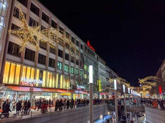 Weihnachtliche Bahnhofstraße