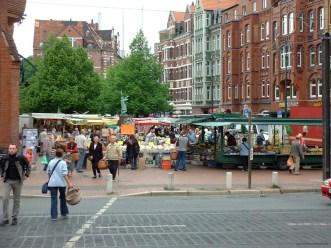 Wochenmarkt auf dem Lindener Marktplatz