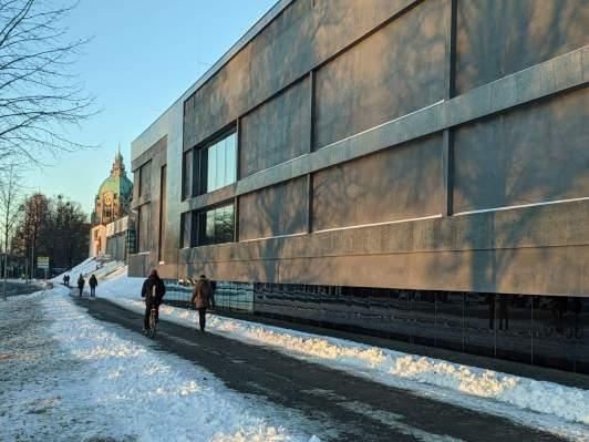 Sprengelmuseum mit Rathaus