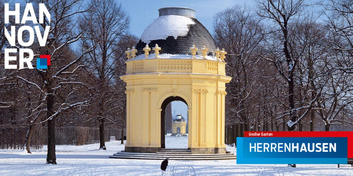 Der schneebedeckte Große Garten in Herrenhausen