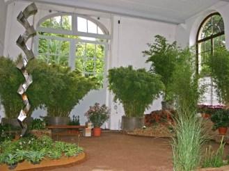 Kunst und Garten - hier zeigen wir Ihnen mit welch schönen Kunstelementen Sie Ihren Garten verschönern können.