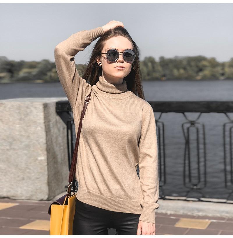 Women's Cashmere Turtleneck Sweater