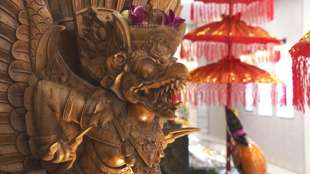 異国情緒あふれる空間で本場インドネシア料理