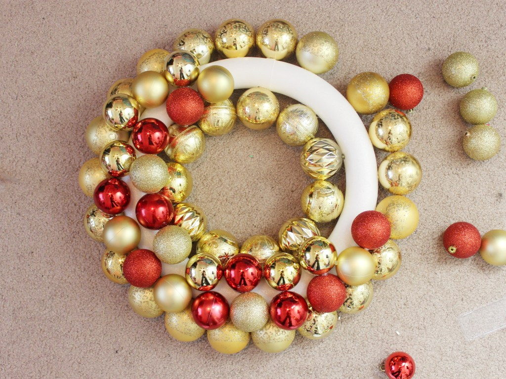 diy-ornament-wreath-1