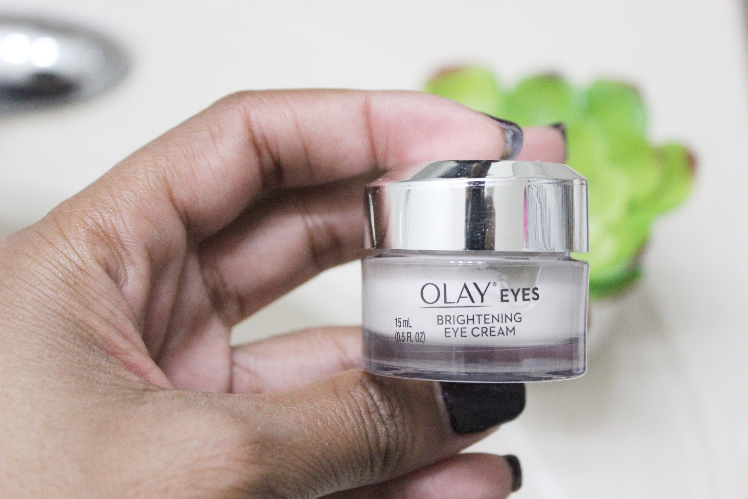 Help Your Dark Circles With The New Olay Eyes Brightening Eye