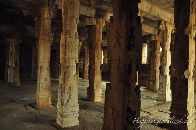 02-Hampi Columns